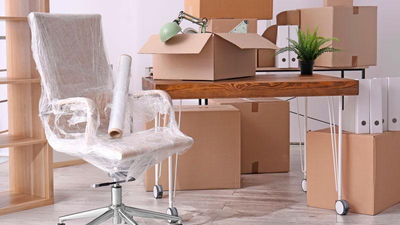 Espaços para armazenamento de móveis no Algarve